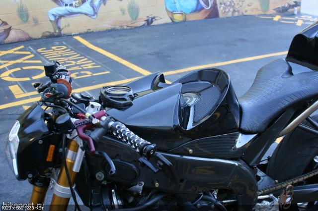 Стритфайтер Yamaha YZF-R1 2006