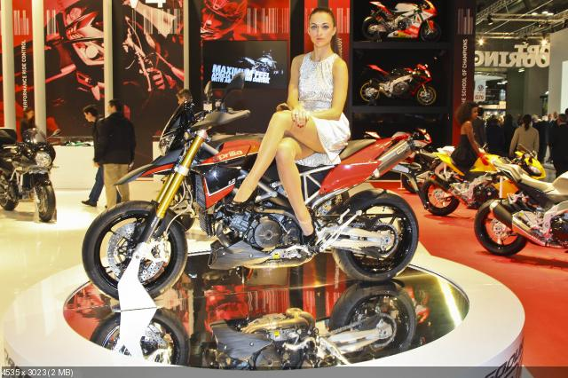 Piaggio на выставке EICMA 2011