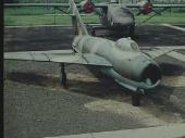 Сборник военных киножурналов Национальной Народной Армии ГДР / NVA: Jagdflugzeuge und Kampfhubschrauber (1968-1987) DVDRip