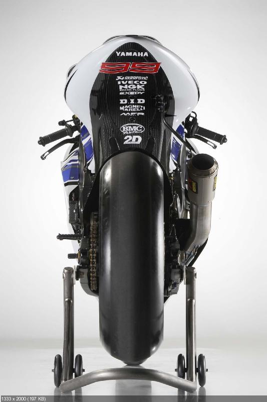Гоночный мотоцикл Yamaha YZR-M1 2012